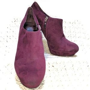 Marc Fisher maroon suede platform shoes. Sz 9.5M